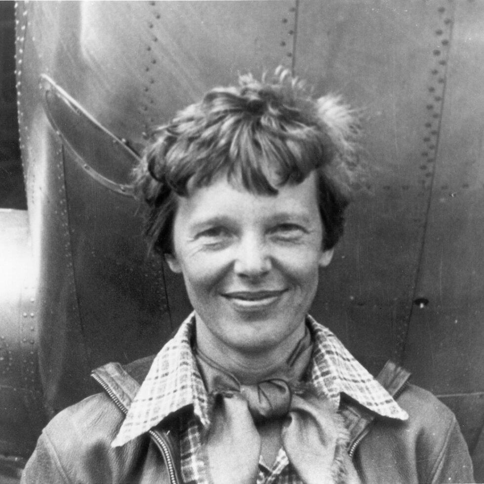 Mujeres feministas que cambiaron al mundo amelia earhart