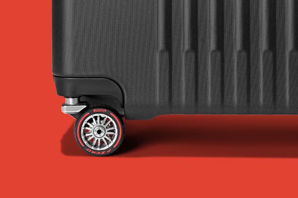 montblanc y pirelli maleta